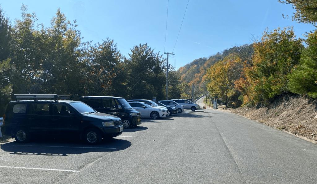 高屋神社駐車場